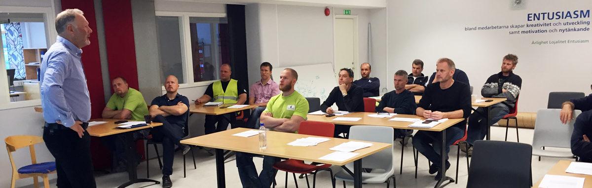 Att vara arbetsledare innebär ett ansvar för att arbetsmiljön är god på arbetsplatsen, berättar VD Joachim Lindroth.